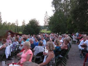 En stor publik uppskattade föreställningen.