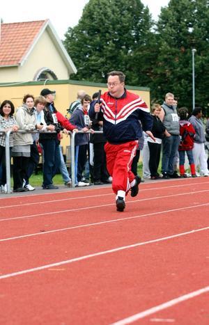 I stafetten sprang Erik Hansen så fort att han var helt slutkörd efteråt. Men nöjd var han.