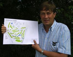 Ny golfbana. Sven Jacobsson, VD på LiljeFjäll visar upp skissen på den nya golfbanan i Stöten i Sälenfjällen. Bygget har påbörjats och golfbanan skall stå klar till sommaren 2009.