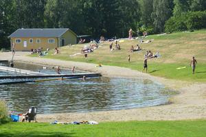 Den populära badplatsen Vojen i Ånge har rustats upp med hjälp av ideella krafter.