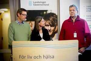 Erik Lövgren (S), Eva Andersson (MP) och Lars-Gunnar Hultin (V) är överens om att höja skatten med 60 ör per intjänad hundralapp under 2016.