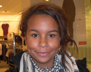 Josheena Mathurin, 15 år, studerande:1.  Den är lite tråkig och deppig.2. Man ska ta det lugnt, dricka te och mysa.