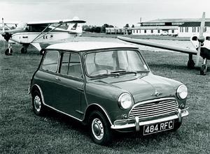 Mini Cooper och Cooper S var prestandaversionerna med upp till 70 hk.