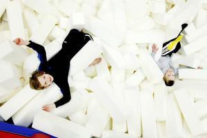 Alvin och Vile Noaksson vilade ut i skumgropen mellan bakåtvolterna.