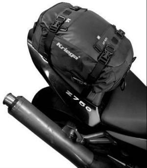 En 20 liters sadelväska som är helt vattentät kan var praktisk att ha grejer i. Väska är designad för att kunna passa de flesta motorcykel säten på racerhojen. Väskan är lätt att ta av och på genom de medföljande fästanordningarna. Finns på www.motowerx.se för 770 kronor plus frakt