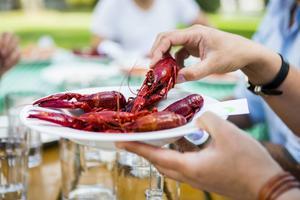 Vi äter varje år runt 5 miljoner kilo kräftor, varav en stor majoritet är importerade.