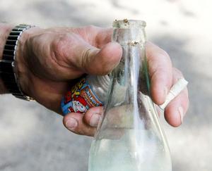 På ett par minuter hittade Stefan Nerstedt både skräp, flaska och fimpar.