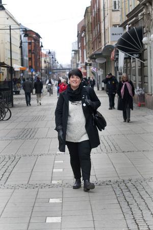 """SJÄLVKRITISK. """"Jag tycker egentligen att ingen av oss är tillräckligt bra på att lyfta de goda exemplen. Så fort man är stolt är det genast någon som ilar fram och berättar alla dåliga saker"""", säger Carina Blank, kommunalråd i Gävle."""