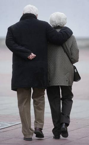Enligt EU-kommissionens beräkningar kommer en svensk pensionär 2048 bara att få 48 procent av sin slutlön i pension. Foto: Fredrik Sandberg / SCANPIX