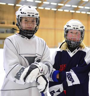 Olivia Rustas och Anna Angantyr drar iväg till Finland med landslaget.