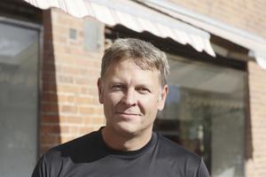 Robert Nordström, 48 år, Fagersta: Ja, det är ju kul med alternativ. Annars badar jag mest vid Eskiln. Jag badade en del vid simbadet som yngre.