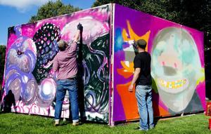 Lagligt i Gävle. Öppen graffitivägg mitt i stan, det händer då och då även om en permanent vägg än så länge saknas.