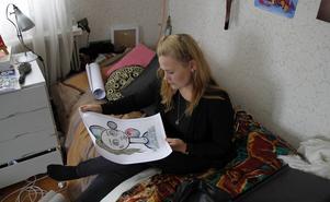 Alice Nilsson berättar att hon knappt ritat något på flera månader för att färdigställa boken: Känn dig som hemma i mig.