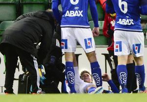 Nilsson fick ledas av planen och ersattes av Stefan Ålander.
