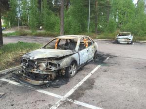 Resultatet av en av bilbränderna i Norslund i maj.
