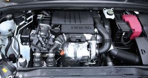 Under huven. Motorn som också kommer att sitta i Volvos miljödieselbilar i höst.