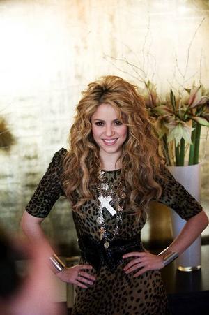 """Shakira besökte Stockholm för att prata om sin nya skiva """"She Wolf"""" och berättade samtidigt att hon hittat balansen mellan artistlivet och det privata. """"Mitt lilla näste i Bahamas har hjälpt mig"""", säger hon.  """"Skulle jag ge ett råd till någon så skulle det vara att skaffa en bra terapeut"""".   Foto: MIKAEL ANDERSSON/SCANPIX"""