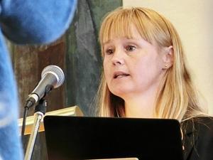 Kommunalrådet Susanne Hansson (S) vill inte sälja Strömsunds camping. - Det är ett strategiskt markområde, säger hon.