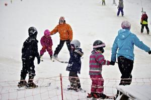 Barnvänlig och närheten. Två honnörsord för Rättviks slalombacke.