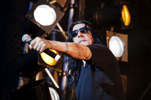 Heavy metal-bandet Manowar är toppnamnet på kommande sommars Getaway-festival i Gävle. Bandets basist Joey DeMaio är upprörd och bekymrad över hur de anställda och fansen behandlats av Getaway Rock Festival AB.