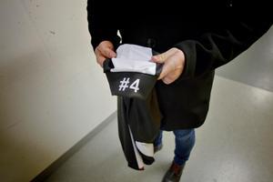 SAIK spelar hela säsongen med #4 på tröjärmen som ett sätt att minnas Axel som hade nummer fyra på sin tröja.