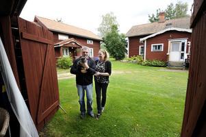 Supersociala Sixten har en egen fanclub, tre damer på Gagnefs kommun. Han är en friargåva som gjorde susen – Maggie och Sven Sjöström fick ett snyggt bröllopsdatum.