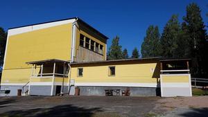 Byggnaden som den såg ut innan branden. Klubben hade nyligen byggt en ny trappa och planderade att göra fler arbeten utvändigt nästa år.