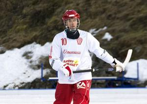 Söråker bandys lagkapten Philp Nyberg gjorde tre mål.