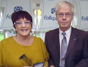 Ingrid Hammarberg och Leif Jonsson är mycket glada över det gensvar de fick under telefonväkteriet.