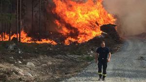 Bilden är tagen första dagen av den stora skogsbranden 2014 i närheten av Öjesjön.