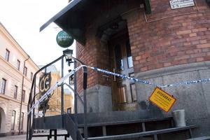 Branden som började i köket kan ha totalförstört stora delar av restaurangen.