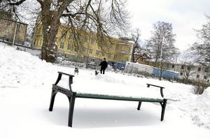 Gick snett. – Staten har krav på kommunerna att bygga bostäder och staten har regler och myndigheter som hindrar det, konstaterar Anders Ceder (S), kommunstyrelsens ordförande. Byggandet av bostäder i gamla Stranskolan har kämpat i olika motlut sedan 2009.