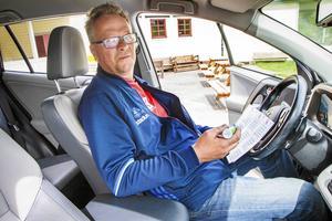 Lars Eriksson är vice ordförande i Kovlands IF och en av dem som är med och arrangerar bilbingon i Ånäsparken.
