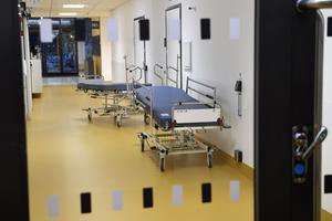 Sjukvården borde vara på alla politikers agenad. Men det är tyst, skriver Anna Ågerfalk (L).
