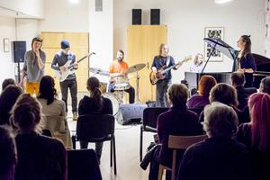 Fullsatt när sagolik jazz fyllde av av lektionssalarna på Bäckedal i måndags.