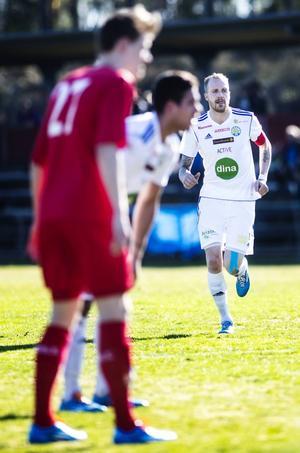 Lagkaptenen Emil Oremo ska leda SFF mot nya vinster i division 2.