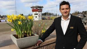 Erik Ersson är marknadsansvarig på Dalatravet Romme.