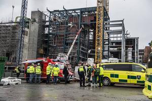 Att 53 arbetare dog på jobbet i fjol är fullständigt oacceptabelt, skriver LO-distriktet i Mellersta Norrland.