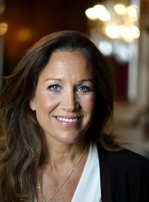 Programledaren Renée Nyberg fyller 50 år och firar med stor fest där det ska