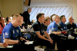 Derbykillar i IFK Sala och BK Norden. Foto: Niclas Bergwall