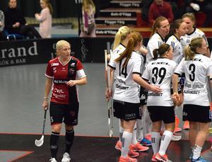 Anna Wijk deppar efter Iksus 1–2-mål.