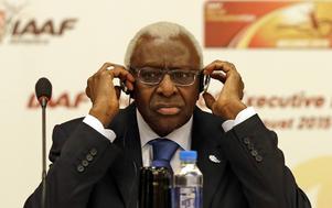 IAAF-presidenten Lamine Diack greps i veckan, misstänkt för att ta tagit emot mutor.