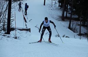 Julia Albertsson, Stuguns SK, gjorde ett ryck under jaktstarten och rev åt sig ledningen men tyvärr höll det inte hela vägen hem och Julia fick nöja sig med en mycket stark andraplats i stenhård konkurrens.