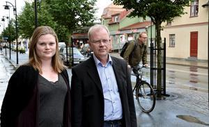 Successionsordning. Jenny Larsson är på väg in i politiken och för traditionen vidare efter pappa Anders Larsson och farfar Erik.