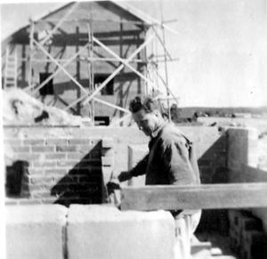 Bröderna Asp murade grunden till huset Malungsgatan 27.
