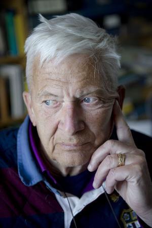 Per Olov Enquist avslöjar mer om sitt liv i en kommande bok.