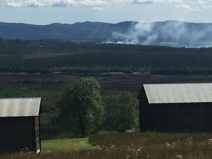 Torvtäkten som glöder väster om Sveg.