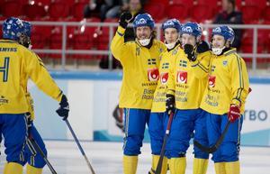 Landslagslirarna Daniel Mossberg, Daniel Andersson, Erik Säfström och Christoffer Edlund är fyra av de 264 elitseriespelarna inför säsongen 2015/2016.