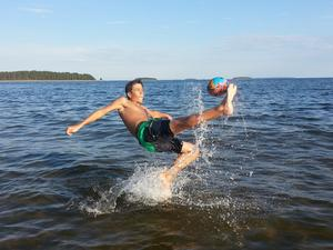 Isak Brinkheden, Älmsta semestrar på Pitehavsbad.