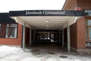Nästa år plockas gymnasieskylten ner på Palmcrantzskolan och öppnar för helt andra verksamheter. Enligt detaljplanen, som ännu inte är antagen, ska skolan kunna hysa allt från hälsocentral till småindustri och bilservice.